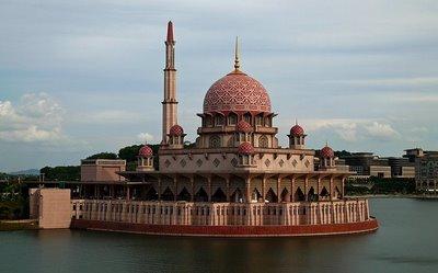 5S в главной мечети Малайзии